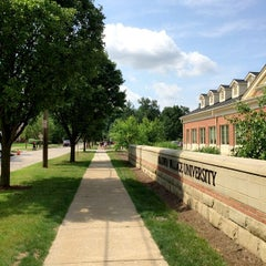 Photo taken at Baldwin-Wallace Bookstore by ef y. on 7/2/2014