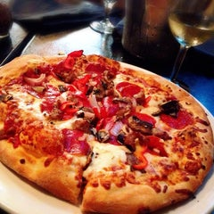 Photo taken at Pane e Víno Pizzeria by Nikki T. on 6/14/2014