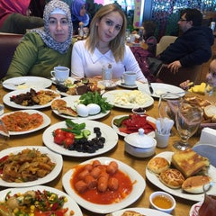 Photo taken at Hasırlı Osmanlı Mutfağı by Sedat Suna Nilay K. on 2/7/2016