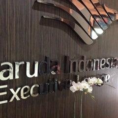 Photo taken at Garuda Indonesia Executive Lounge by Riyanto B. on 8/26/2014
