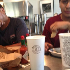 Photo taken at Chipotle Mexican Grill by Jenaro G. on 9/7/2013