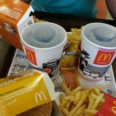 Photo taken at McDonald's by María Paz L. on 7/30/2015