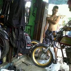 Photo taken at Jalan Raya Bogor by ershad w. on 10/13/2012