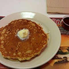 Photo taken at Steak 'n Shake by Fasttrack Fan on 2/27/2015