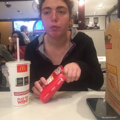 Photo taken at McDonald's by Dion D. on 9/21/2014