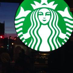 Photo taken at Starbucks by Guin T. on 4/20/2014
