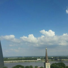 Photo taken at Drury Plaza Hotel - St. Louis at the Arch by Elizabeth G. on 5/18/2015