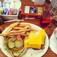 Photo taken at Cracker Barrel Old Country Store by Carissa L. on 9/4/2014