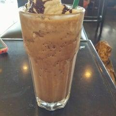 Photo taken at Starbucks by Dono J. on 8/9/2015