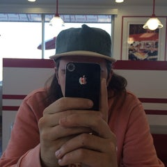 Photo taken at In-N-Out Burger by Roma Loe J. on 3/13/2014