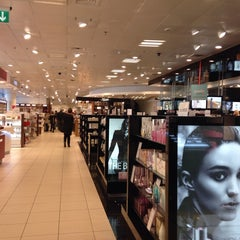 Photo taken at Magasin Lyngby by Narcis on 2/10/2014
