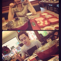 Photo taken at MK (เอ็มเค) by Leo R. on 12/15/2014