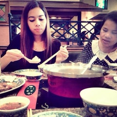 Photo taken at MK (เอ็มเค) by Leo R. on 11/9/2013