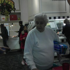 Photo taken at Golden Corral by Annette S. on 12/31/2012