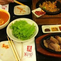 Photo taken at Kogi Bulgogi by cherry g. on 9/28/2012