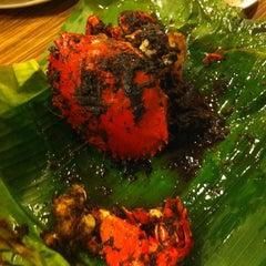 Photo taken at Rasane Seafood & Ikan Bakar by Fenny H. on 5/5/2015
