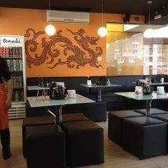 Photo taken at Temaki Fry by Thiago S. on 6/20/2012