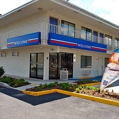 Photo taken at Motel 6 San Marcos by Motel 6 on 1/24/2014