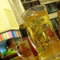 Photo taken at ลานเบียร์ บิ๊กซี ดอนจั่น   Beer Garden at Big C by Petsuya P. on 10/31/2014