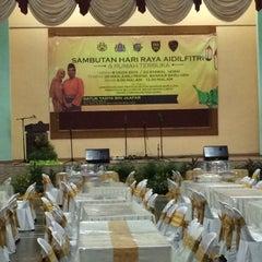 Photo taken at Dewan Jubli Perak by Amer K. on 8/8/2015