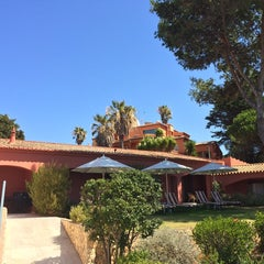 Photo taken at Hotel Vivenda Miranda by Eduardo R. on 8/19/2014