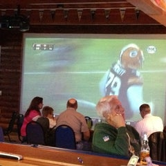 Photo taken at Features Sports Bar & Grill by Tony R. on 11/4/2012