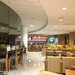 Photo taken at American Airlines Admirals Club by Luis T. on 4/24/2013