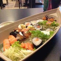 Photo taken at Sushi da Moka by Juliana M. on 7/7/2013