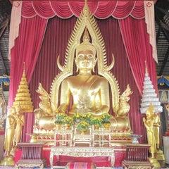 Photo taken at Wat Luang by Nongpare on 7/22/2015