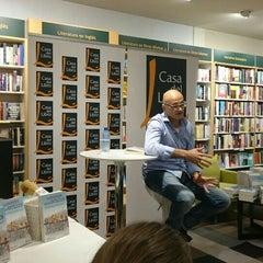 Photo taken at Casa del Libro Zaragoza by Isabel I. on 10/23/2015