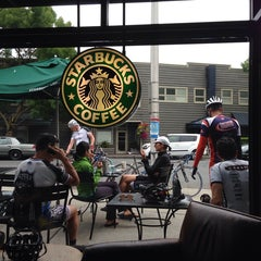 Photo taken at Starbucks by Gyu Young J. on 7/21/2013