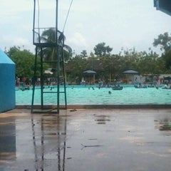 Photo taken at Tirta Wiguna Swimming Pool by Andika Dwi P. on 3/11/2012