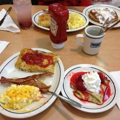 Photo taken at IHOP by Keren T. on 12/8/2012