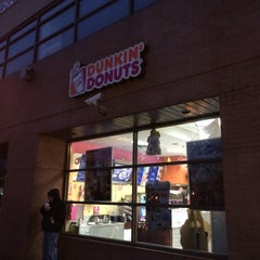 Photo taken at Dunkin' Donuts by Randall C. on 12/24/2014