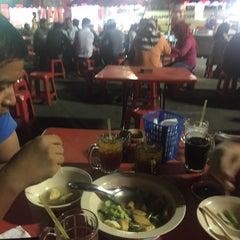 Photo taken at Medan Selera Perhentian Bas Bentayan by Syarafiq A. on 9/13/2015