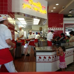 Photo taken at In-N-Out Burger by George Z. on 7/23/2013