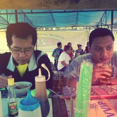 Photo taken at Bubur Ayam Jakarta 2009 by gan on 12/28/2013