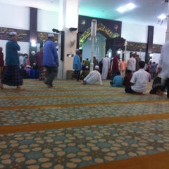 Photo taken at Masjid Kuarters KLIA by Kasful N. on 9/18/2013
