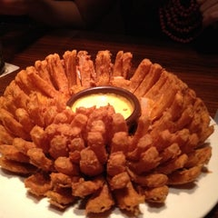 Photo taken at Outback Steakhouse by NADLO C. on 10/26/2012