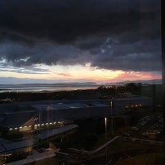 Photo taken at Novotel Auckland Airport by Strumpet101 on 3/4/2015