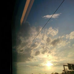 Photo taken at Frankfurt (Main) Flughafen Fernbahnhof by Tobias on 7/18/2015