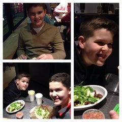 Photo taken at Chipotle Mexican Grill by Rachelle F. on 1/29/2015