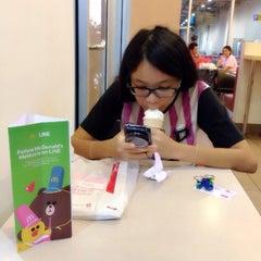 Photo taken at McDonald's by Tan L. on 8/24/2014