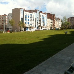 Photo taken at Plaza Das Regas by Pablo Emilio P. on 4/27/2012