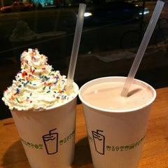 Photo taken at Shake Shack by Danielle M. on 6/26/2012
