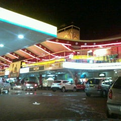 Photo taken at Flamingo Shopping by Fernando F. on 5/4/2012