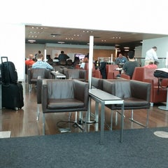 Photo taken at Star Alliance Lounge by Benoit F. on 8/24/2012