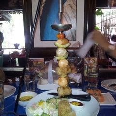 Photo taken at หลานตาชู สเต็กเฮ้าส์ (Larn Ta Chu Steak House) by Ati K. on 8/3/2012
