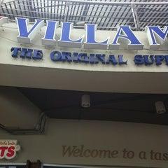 Photo taken at Villa Market (วิลล่า มาร์เก็ท) by Pataraseth P. on 6/9/2012