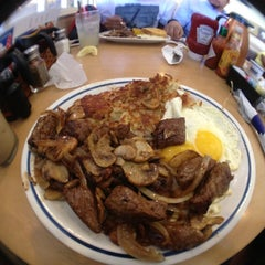 Photo taken at IHOP by Warren S. on 9/4/2012